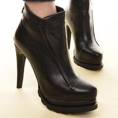 细跟防水台真皮高跟靴子
