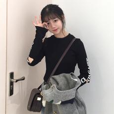 t恤女00后2017春款新款修身漏肩学生韩版ulzzang复古破洞长袖个性
