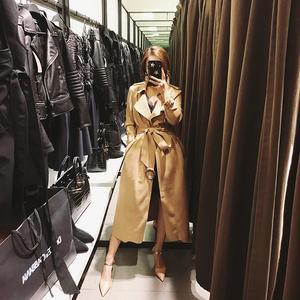 2017秋装新款气质韩版卡其色鹿皮绒收腰长款chic风衣过膝外套女杨桃