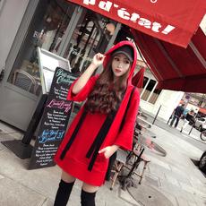 兔子的口袋2017秋季新款 红色连帽chic卫衣休闲7分袖开叉中长款女