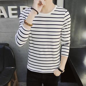 男士圆领长袖t恤青少年学生春季装上衣服潮黑白色条纹打底衫韩版T恤