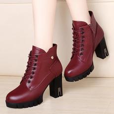 莫蕾蔻蕾 2017秋冬新款粗跟侧拉链高跟马丁靴欧美女靴短靴 72509
