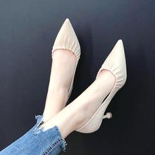 韩版百搭褶皱尖头高跟鞋女秋季2018新款时尚气质浅口猫跟工作单鞋