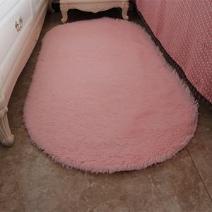 椭圆形地毯卧室图片