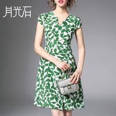 月光石新款V领知性优雅树叶画短袖重磅高档真丝连衣裙ZR1763