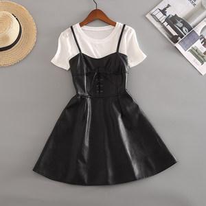 秋装女2018新款有女人味的连衣裙两件套PU皮<span class=H>背带裙</span>长袖复古皮裙子
