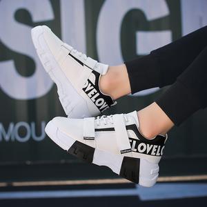 2019春款韩版风格男士休闲跑步鞋子