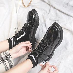 秋季新款马丁靴女小皮鞋百搭女