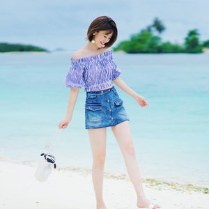 icy一字领条纹上衣女装夏季2018新款短袖<span class=H>衬衫</span>露锁骨高腰短款衬衣