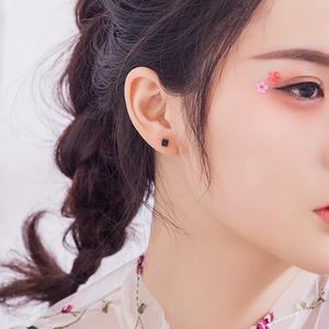 银致S925银耳钉女气质韩国个性创意简约方糖迷你学生清新百搭<span class=H>饰品</span>