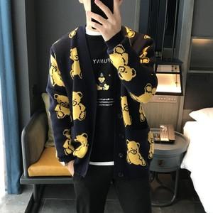 2018冬季新款B2EA修身情侶卡通小熊提花羊毛衫V領針織<span class=H>開衫</span>潮84274