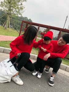 婴<span class=H>童装</span>秋冬一家三口全家过年<span class=H>亲子装</span>婴儿连衣裙母女父子装红色毛衣