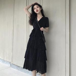 连衣裙2019新款夏女装小众性感礼服打底裙女V领仙气中长款蛋糕裙