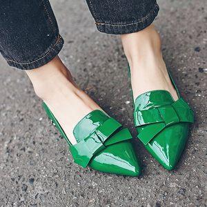 绿色平底鞋单鞋女秋春天女士新款百搭尖头<span class=H>鞋子</span>水钻瓢鞋女鞋2018潮