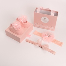 Girls'hair straps, baby socks, gift boxes, gifts for newborns at full moon, 100 days, 0-1 year old headdresses, photo shoots and hair decorations