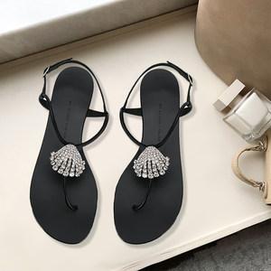 2019夏季新款<span class=H>水晶</span>钻圆头平底平跟度假沙滩夹脚趾仙女<span class=H>凉鞋</span>子女