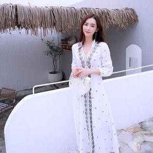 民族风<span class=H>连衣裙</span>海岛海边度假裙中长款夏季显瘦宽松刺绣沙滩长裙