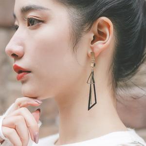 几何三角显脸瘦超仙耳环气质韩国个性百搭长款耳坠钉网红耳饰<span class=H>银针</span>
