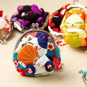 日本招财猫<span class=H>零钱包</span>迷你绉布蛙口搭扣硬币女式生日活动小礼物红包袋