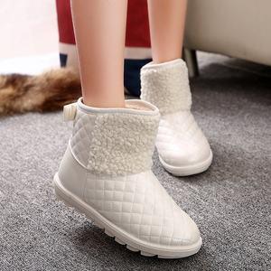 2018<span class=H>冬季</span>雪地靴<span class=H>白色</span>女<span class=H>靴子</span>中筒内增高防水加厚底短靴加绒棉鞋棉靴
