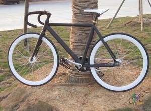 特价经纬<span class=H>死飞</span>自行车整车Fixed gear 铝合金车架肌肉架 可倒骑动作