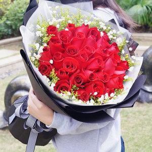 33朵红玫瑰花束同城佛山<span class=H>鲜花</span>速递北�蛘蚧漆�九江石湾花店送花上门