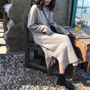 配大衣的长<span class=H>裙子</span>法式复古桔梗裙秋冬高领毛衣裙过膝中长针织连衣裙