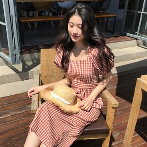 2019夏装新款法国小众<span class=H>连衣裙</span>复古格子裙收腰显瘦沙滩裙子长裙
