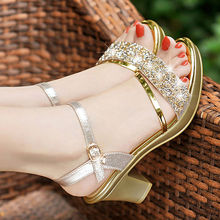 2019 New Type of Rough-heeled Sandals, Women's Summer Buckle, Women's High-heeled Shoes, Medium-heeled Fashion Baitao Water Diamond Sandals 37
