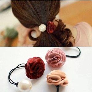 韩国热卖发饰发圈时尚玫瑰花朵大珍珠头饰品韩版皮筋发饰头圈女士