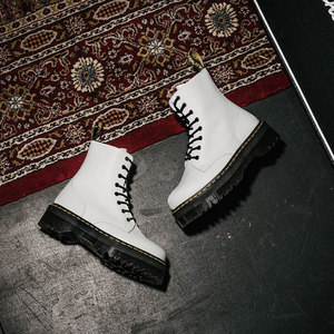 定制JADON 8孔白色硬皮侧拉链松糕底<span class=H>马丁靴</span>女时尚新款厚底短靴女