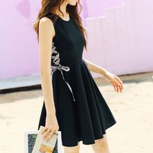 Hepburn Little Black Skirt 2019 New Spring and Summer Dress Korean Version High Belt Belt Shows Slim Small A-Character Dresses
