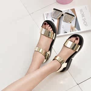 亮皮金色银色中跟一字漆皮夏季露趾凉鞋PU平底厚底新款<span class=H>女鞋</span>魔术贴