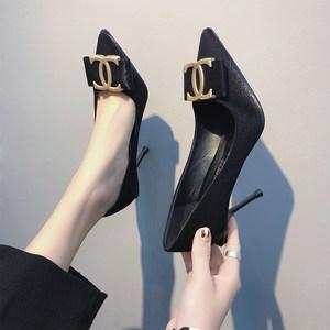 欧美豹纹<span class=H>高跟鞋</span>女2019春季新款性感尖头金属扣黑色职业细跟单鞋女