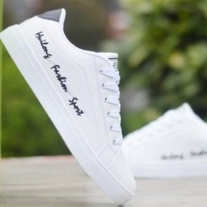 秋季<span class=H>男</span>士小白鞋<span class=H>男</span>内增高夏季白色<span class=H>板鞋</span>韩版百搭潮鞋运动休闲白鞋子