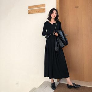 A7seven 黑色小V领百褶长袖连衣裙女秋季2018新款打底<span class=H>长裙</span>小黑裙