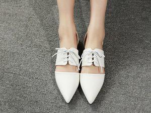 英伦欧美复古<span class=H>大牌</span>黑白色尖头系带单鞋夏女浅口平跟平底<span class=H>凉鞋</span><span class=H>休闲</span>鞋