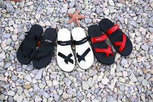 包邮新款男女情侣夏季沙滩人字拖套趾橡胶防滑平底室外<span class=H>拖鞋</span>凉鞋