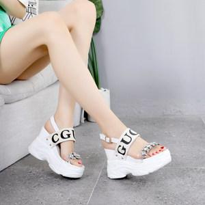 10cm超高跟水钻<span class=H>水晶</span><span class=H>凉鞋</span>2019夏季新款露趾坡跟防水台厚底<span class=H>松糕鞋</span>女