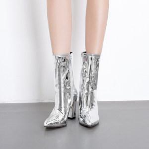 2018秋冬新款欧美漆皮银色高跟鞋女粗跟马丁靴子加绒<span class=H>裸靴</span>尖头短靴