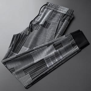 轻奢品质夏季复古休闲运动裤男潮流<span class=H>小脚裤</span>个性时尚格子男士针织裤