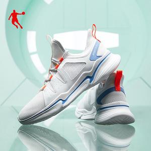 乔丹新款潮透气轻奢跑步鞋