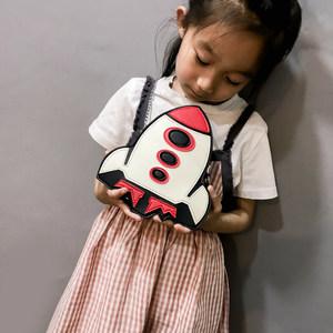 儿童斜挎包时尚男女潮童小包包可爱小飞机链条小包小学生个性新款
