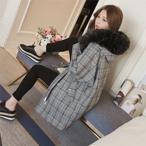 2017冬季新款韩版中长款大毛领连帽格纹棉衣<span class=H>女装</span>宽松加厚棉服外套